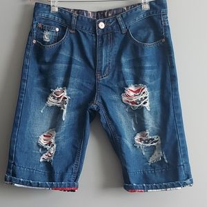 Halloween skull print ripped jean shorts - sz32